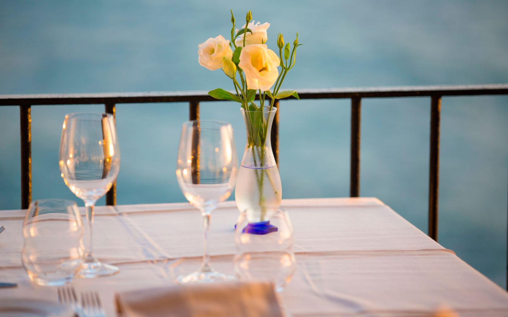 ristorante sul mare con vista panoramica ad ischia umberto a mare