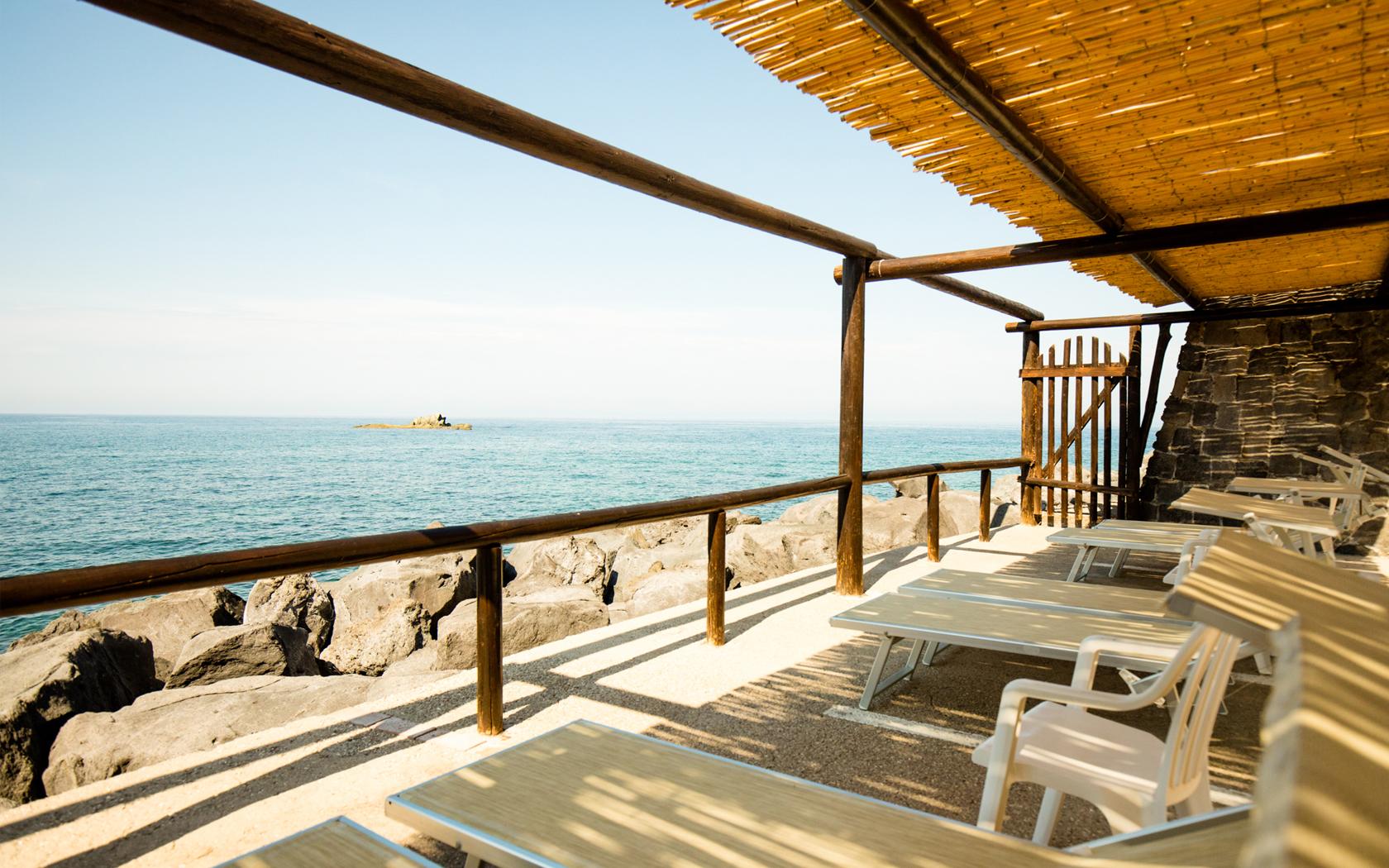 spiaggia privata hotel umberto a mare